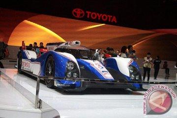 Toyota TS030 mobil balap hybrid ada di IIMS 2013