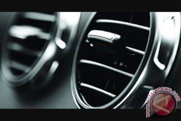 Benarkah mengemudi sambil merokok bisa merusak AC mobil?