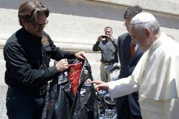 Harley-Davidson Paus Fransiskus jadi bintang lelang