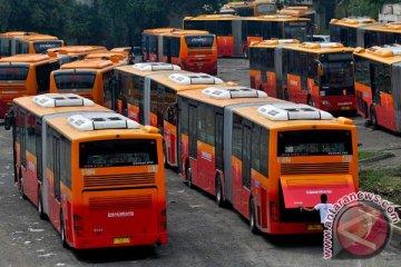 Pemprov DKI terima hibah 30 bus swasta