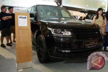 Range Rover LWB meluncur di IIMS