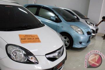 Perdagangan mobil bekas di Palembang masih lesu