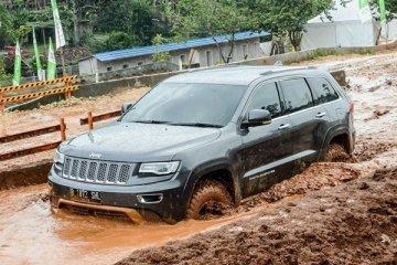 Kecanggihan Jeep Grand Cherokee Summit WK2 2014