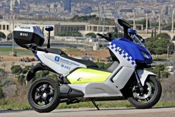 Skutik listrik BMW C 600 untuk patroli polisi