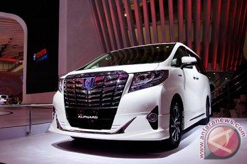 Toyota optimistis tatap pasar mobil hibrid Indonesia