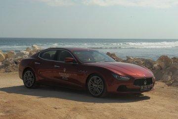Perpaduan elegan dan nyaman Maserati Quattroporte dan Ghibli