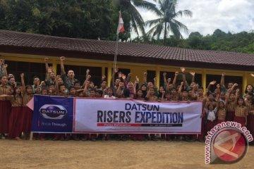 Ekspedisi Datsun sambangi sekolah di pedalaman Kalimantan