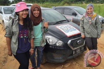 Ekspedisi Datsun, tiga mahasiswi pemberani tembus jalur Trans Kalimantan