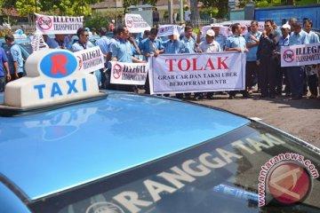 Giliran di Mataram demo anti-transportasi berbasis aplikasi