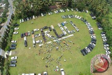 Terios Rush Club bersihkan sampah Borobudur