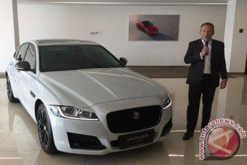 Jaguar XF Black Jack resmi meluncur, harga Rp 1,5 miliar