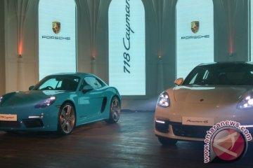 Porsche 718 Cayman dan Panamera 4S meluncur di Indonesia