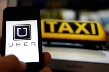 Sopir taksi Yunani protes invasi Uber