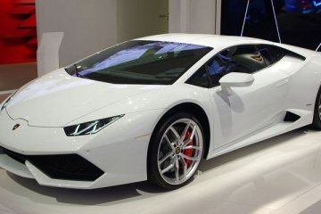 Polisi lalu lintas pakai Lamborghini, tak percaya? datang saja ke Italia