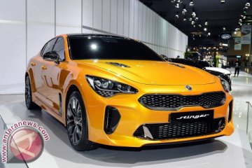 Debut Asia Kia Stinger di Seoul Motor Show