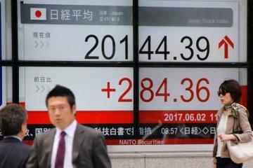 Tertekan imbal hasil obligasi AS, saham Jepang pangkas keuntungannya