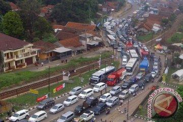 57.800 kendaraan melewati jalur selatan Nagreg