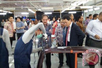 Indomobil resmikan bengkel bodi dan cat berteknologi Jepang di Bekasi