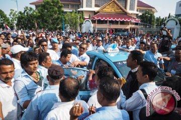 Setiap pekan taksi konvensional-daring gaduh di Batam