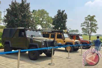 Jaguar Land Rover pamer mobil-mobil legendaris di BSD