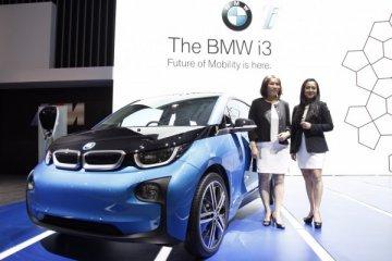 BMW pamer teknologi mobil listrik i3