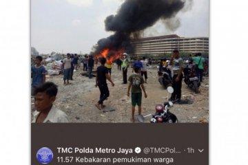 Kebakaran terjadi di belakang Mangga Dua