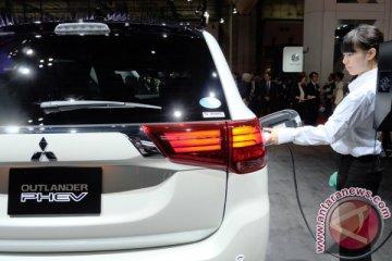 Mitsubishi serahkan 10 mobil listrik ke pemerintah akhir bulan ini