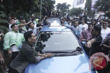 Pengemudi taksi daring di Lampung ancam mogok