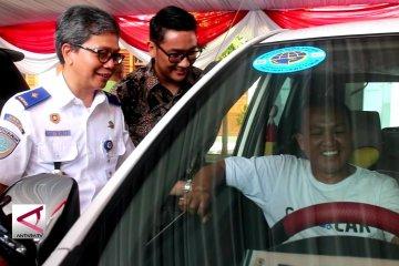 Jatim Berlakukan Kuota Taksi Daring