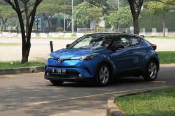 Mencicipi Toyota C-HR