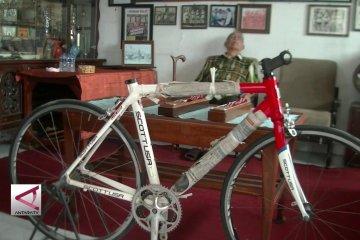 Hendrik Broocks, pembalap sepeda legendaris Indonesia