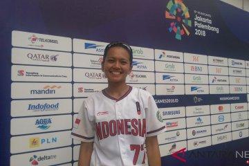 Cresida dan separuh usianya untuk sofbol Indonesia
