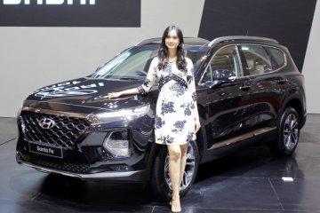 Hyundai kenalkan Santa Fe generasi keempat dan New H-1