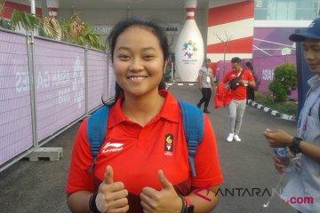 Nadia Pramanik berusaha main lepas di ajang boling putri