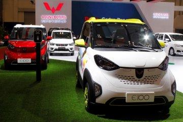 Wuling pajang mobil listrik mungil dan SUV di GIIAS
