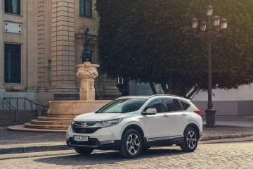 Debut Eropa Honda CR-V Hybrid di Paris Motor Show 2018