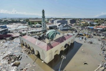 Mesjid terkena gempa dan tsunami di Sulteng