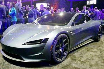 Produksi Tesla Roadster ditunda hingga 2022