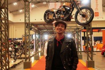 Naik motor bisa jadi obat stres bagi Tarra Budiman