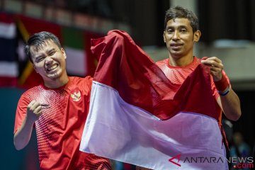 Tim tenis meja menambang emas di nomor ganda