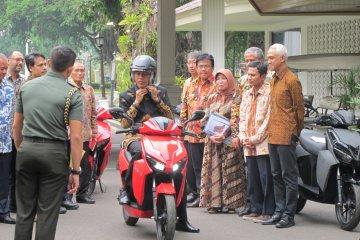 Jokowi yakin motor listrik Gesits diterima pasar