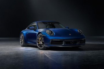 Porsche 911 Carrera terbaru masih berbahan bakar bensin