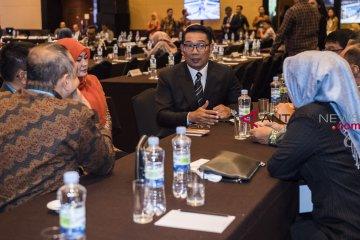 "Gubernur Jabar serahkan ""kadeudeuh"" untuk atlet Asian Games 2018"