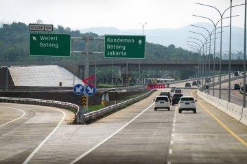 Ruas tol Trans Jawa picu kenaikan kredit mobil