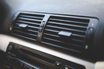 Hemat waktu servis AC mobil dengan teknologi flushing dan endoskopi