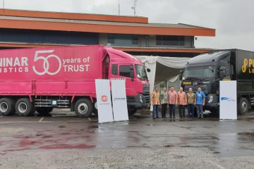 UD Trucks serahterimakan 22 unit Quester CQE280