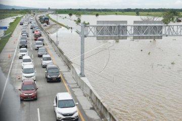 Tol Terendam Banjir