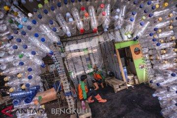 Pemanfaatan Sampah Botol Plastik