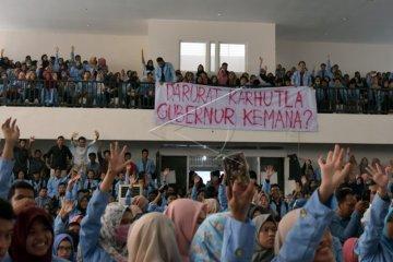 Protes Karhutla di Riau