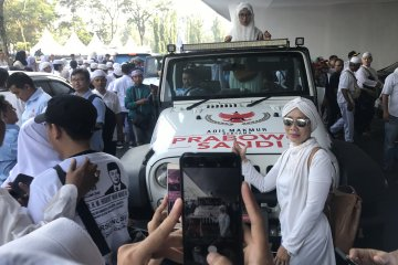 Jeep Prabowo jadi wahana berfoto